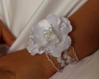 Wedding Flower Wrist Corsage,White flower Corsage,Girl Baby Toddler Child  little girl Bridesmaid Wrist Corsage,Fabric Corsage,Prom Corsage