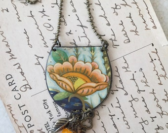 Tin Jewelry Necklace Sea Flower #1 Tin for the Ten Year Tenth Wedding Anniversary