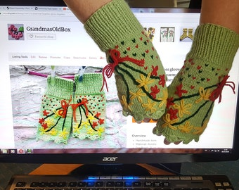 Hand knit fingerless gloves, Fingerless embroidered arm warmers, Green women hand warmers, Women's gloves, Knitted gloves.