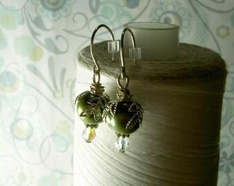 HALF PRICE Leaf It To Me - green pearl earrings / silver leaf earrings / pearl earrings / green earrings / pearl jewelry / bridal jewelry