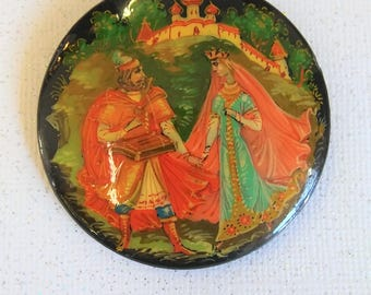 Russian Wood Lacquer Hand Painted Castle with Couple Brooch Pin