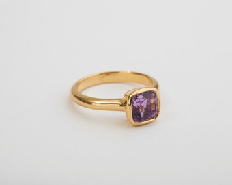 Amethyst Gold Ring, Amethyst Solitaire 18 Kt Ring, Gold Engagement Ring, Amethyst Square Ring, Violet Gemstone Ring February Birthstone Ring