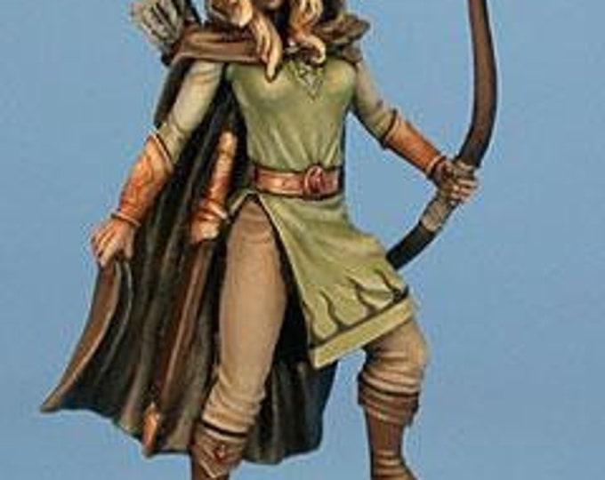 Easley Masterworks: Female Ranger - 4112 - Dark Sword Miniatures
