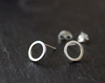 Small circle sterling silver stud earrings - minimal, simple every day earrings