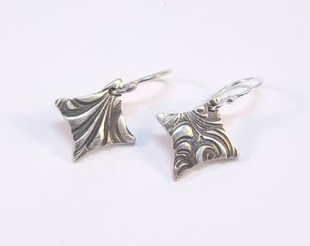 Textured Fine Silver Diamond-shaped Earrings