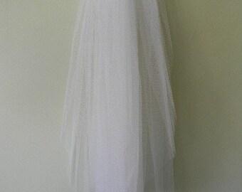 Bridal Veil Fingertip Length -no edge