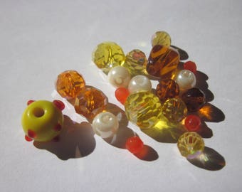 22 glass beads round and Oval 4 to 13 mm (F0)