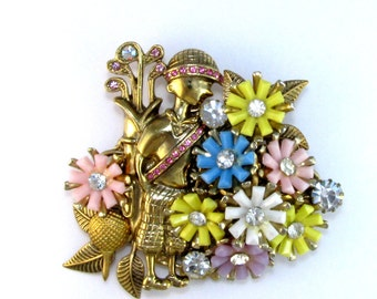 Tee it UP Vintage collage Brooch with flowers Golf SALE
