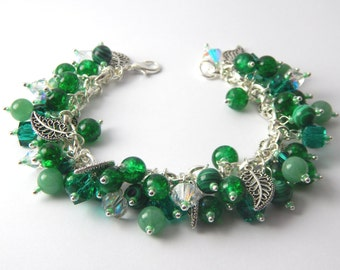 Leaf Bracelet - Charm Bracelet - Green Jewelry - Beaded Bracelet - Nature Lover - Gift for Her - Christmas Gift - Nature - Green Bracelet
