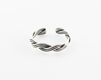 Braided twist toe ring, Sterling silver Toe ring, Modern toe ring, Braid jewelry, Adjustable toe ring / TR74