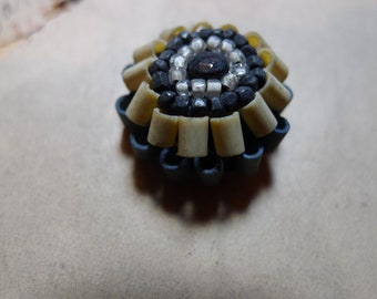 1 button vintage bakelite