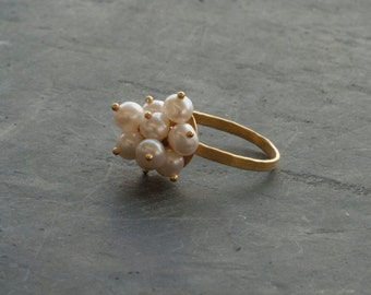 Gold Pearl Ring, One of A Kind Cluster Pearl 18 Karat Solid Gold Ring, Delicate Gold Bridal Ring, Pearl Wedding/Anniversary, Pearl Jewelry