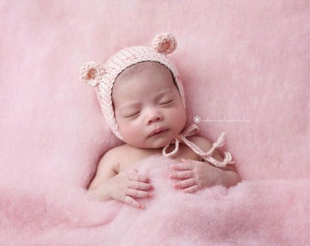 Hand Knit Bear Hat, Peach baby bonnet, hat, knitted baby hat, knit baby hat, newborn photo prop by Cream of the Prop