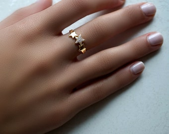 Wish Upon A Shooting Triple Star Ring, 14kt Yellow gold