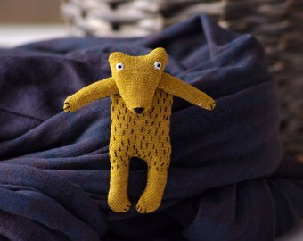 Grizzly bear.  Brooch.