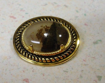 Gold Tone Agate Brooch Vintage Costume Jewelry