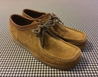 1970's, brown, suede, gum sole, wallabee style, Hush Puppies, Women's size 9.5 N
