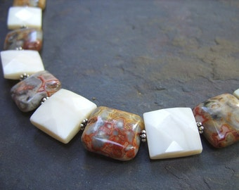 Bracelet of Lace Agate and Faceted Mother-of-Pearl