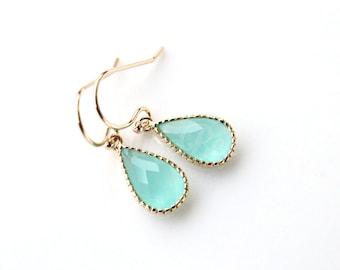 Teardrop mint earrings, Bridesmaid gift, Bridal earrings, Maid of honor gift, Dangle earrings, Mint wedding earrings, Mint bridal earrings