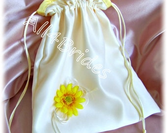 Ivory and Yellow Daisy Bridal Drawstring Bag, Wedding Money Dance Bag