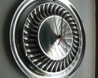 1959-60 Ford Thunderbird Hubcap Clock - No.2502
