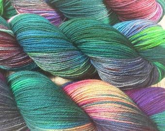 02 Solo dancer-Maia, 100% merino Superwash-400 m/100g-hand dyed yarn