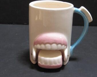 The Swinging Teeth with a Toothbrush Handle Mug - Item 977
