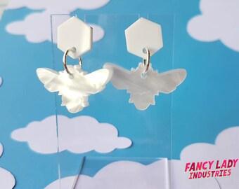 Pearl Bee Earrings, White Acrylic Earrings, Dangle Earrings