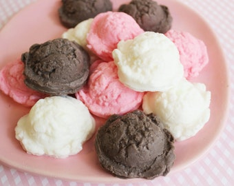 Neapolitan Ice Cream Scoop Soap Mini Set - Soap Favors, Strawberry Soap, Chocolate Soap, Mini Soap, Party Favors, Kids Soap, Food Soap