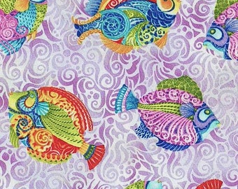Quilting Treasures Jewels Of The Sea Fish Toss Lilac fabric - 1 yard