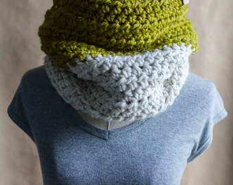 The Highgate // chunky crocheted cowl neckwarmer // featured in Lemongrass and Wheat