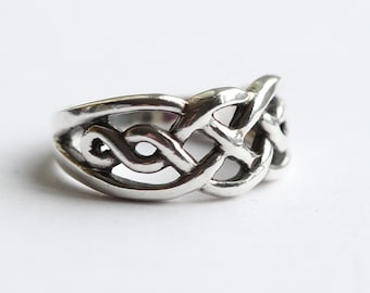 Celtic Knot Cut Out Design Sterling Silver Band 925 Flat Ring  US size 5.50 UK size K 1/2