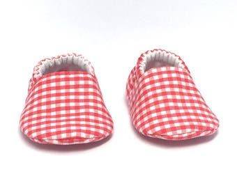 0-3mo RTS Baby Moccs: Red & White Gingham / Crib Shoes / Baby Shoes / Baby Moccasins / Vegan Moccs / Soft Soled Shoes / Montessori Shoes