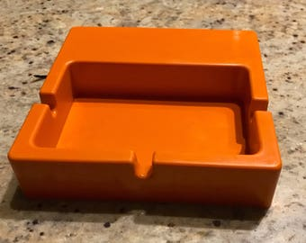 Ashtray POPs Orange hard plastic. Vintage 1970's.