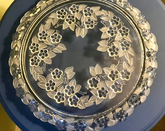 Beautifully detailed cake plate