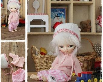 BJD Doll Outfit  / Top Pants Hat In Set / Ooak Small  BJD Dolls / Hujoo Baby Suve
