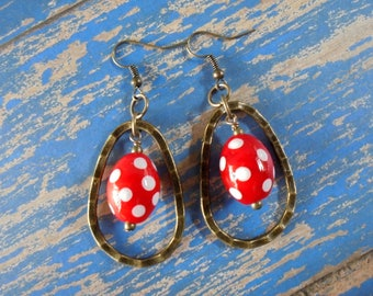 Red and White Spotted Ethnic Earrings (4084)