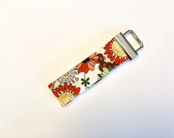 Chapstick Lip Balm Cozy Keychain-Simple Flower