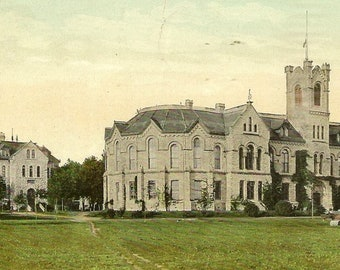 KINGSTON Ontario Queen's University Old Arts Building and Carruthers Hall Antique Postcard