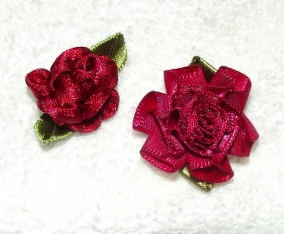 Deep Deep red ribbon roses appliques