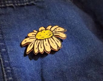 Chamomile Flower Pin (Hand painted)