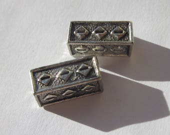 2 large rectangle metal beads silver plated (2416).