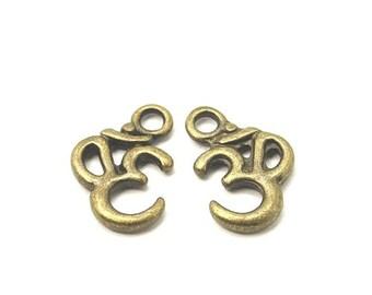 Packet 15 x Steampunk Antique Bronze Tibetan 16mm Ohm Charm/Pendant ZX08745