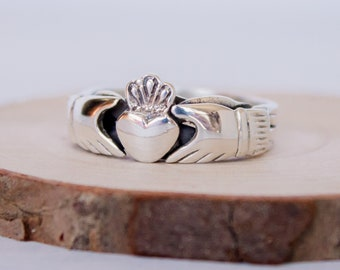 4 piece Sterling Silver Claddagh Puzzle Ring in sizes 6, 8, 9, 10, 11, 12