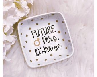 Future Mrs Ring Dish // Ring Dish // Diamond Ring // Jewelry Dish // Engagement Gift // Engagement // Mrs // Fiance // Bride to Be // Future