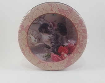 Vintage Pink Lace Kitty Cat Tin