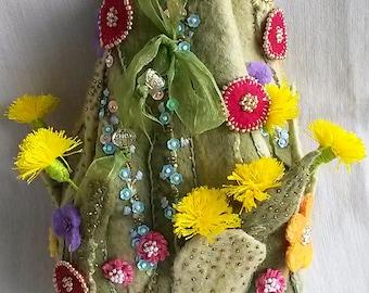 Handmade felted pouch, Cosmetics bag, Felt bag, Flowers bag, Woman pouch