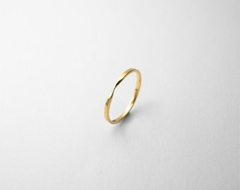 18K Gold Möbius Ring