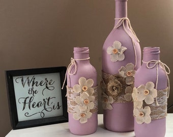 Painted Wine Bottles, Decorative Bottles, Painted Bottle Decor, Country Chic, Upcycled Bottles, Farmhouse Chic, Altered Bottle, Lavender