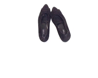 Pointy toe flats. Black suede ballet flats. Bowtie front shoes